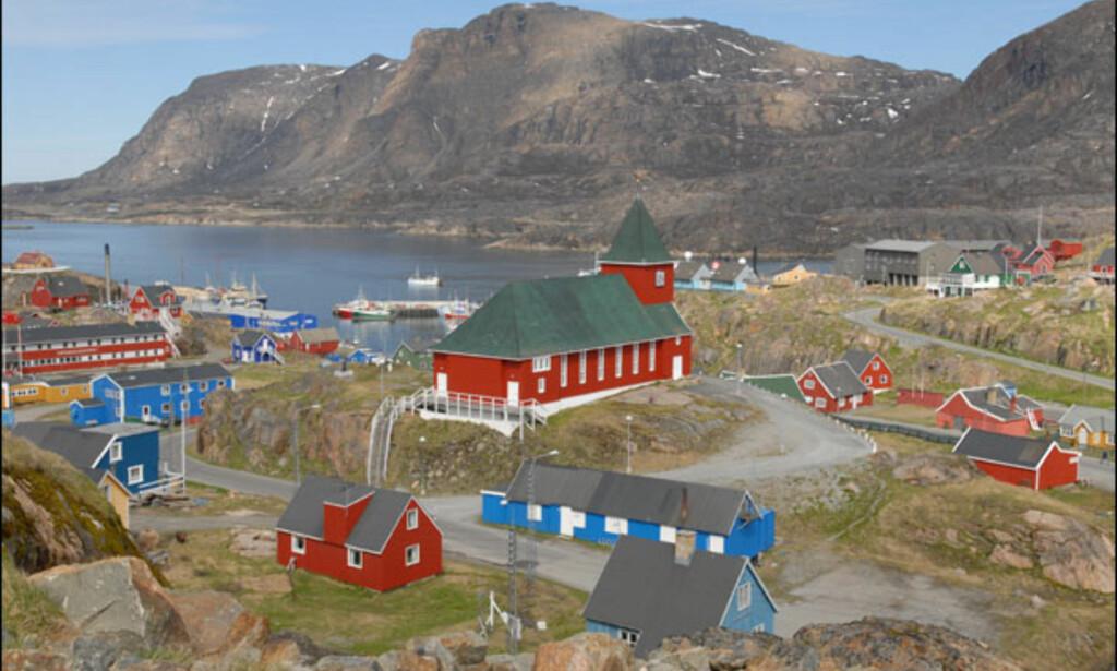 Sisimiut er Grønlands nest største by med 5.200 innbyggere. Foto: Lars Brubæk