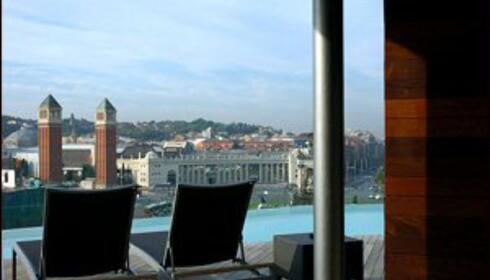 Takterrasse for soling og badin på toppen av B-Hotel. Foto: B-Hotel