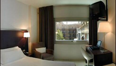 Utsikt til Gaudis La Pedrera fra hotellrommet. Foto: Hote Actual