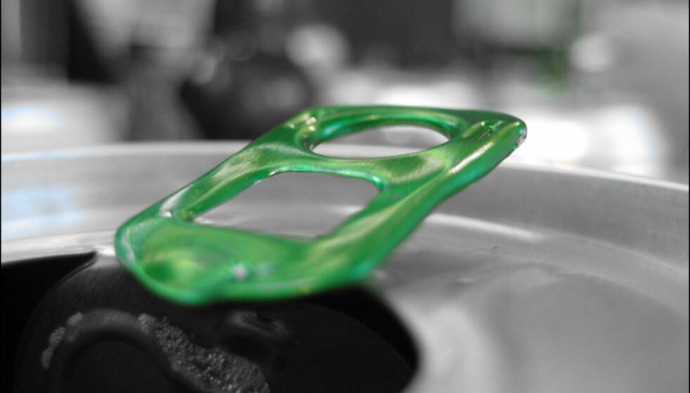 Pek på grønn, velg å beholde denne fargen og knips i vei. Resten blir sort/hvitt.