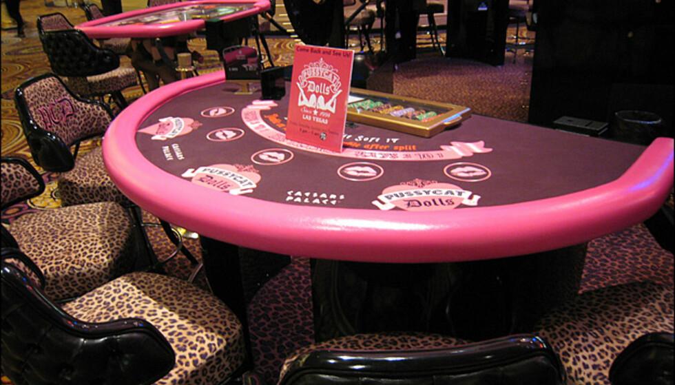 <center>Blackjackbord for jenter på Caesar's Palace</center>