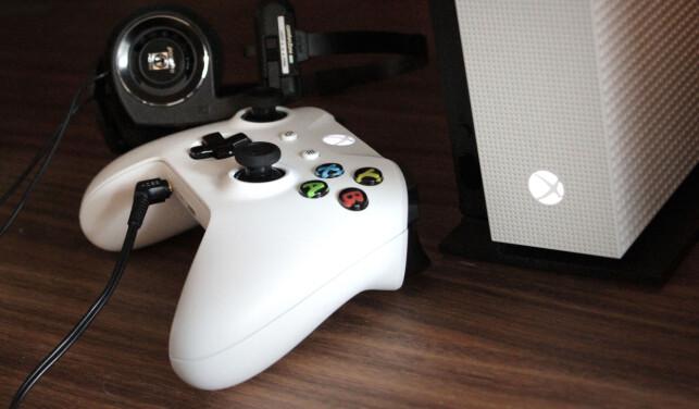 SMART: Å kunne plugge inn hodetelefonene dine rett i Xbox One S. Foto: Ole Petter Baugerød Stokke
