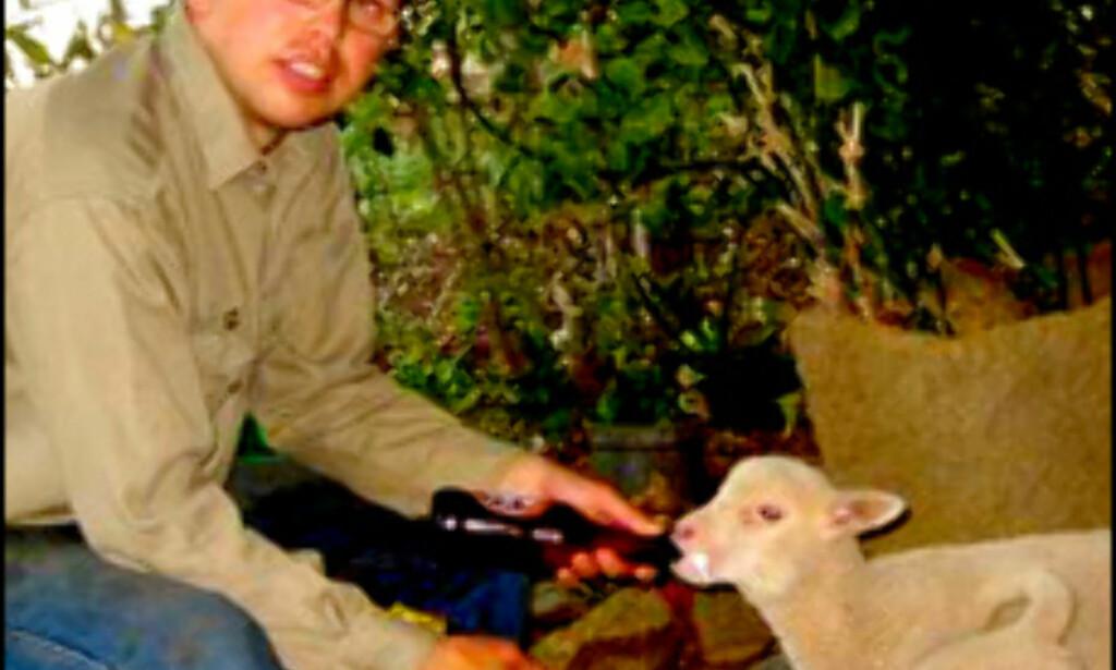 Vegar Erstad drar fra farm til farm i Australias outback. Foto: Privat