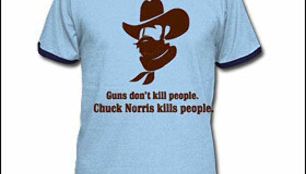 Du kan også kjøpe t-skjorter med chuck-sitater fra nettsiden <i>chucknorrisfacts.com</i>.