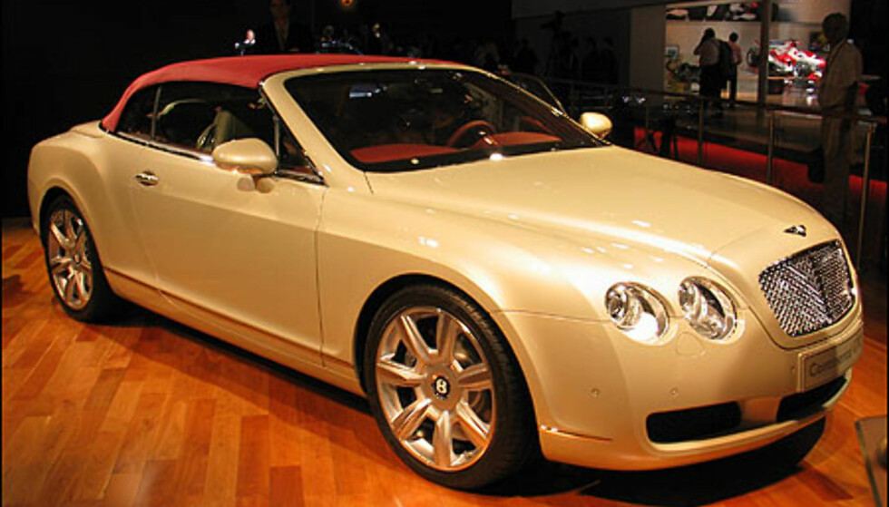 Bentley Continental GTC. 300 km/t i cabriolet...