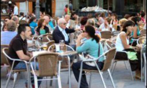 Pass veska når du sitter på kafé. Foto: Stine Okkelmo