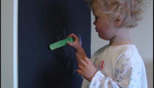 Ung kunstner in spe. Moro for unga! <i>Foto: ifi.no</i>
