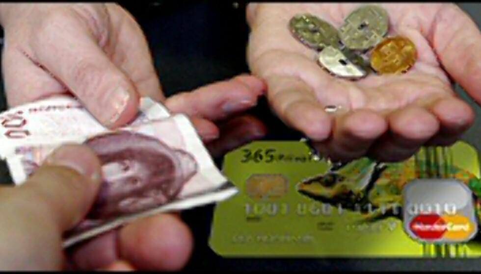 Cashback: Du betaler hundre kroner, og får 1 eller 3,65  tilbakeført til kortet. Illustrasjonsfoto: Per Ervland Foto: Per ERvland