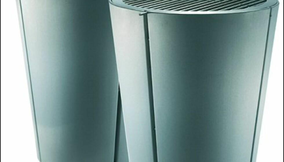Med det praktiske stekelokket kan du både varmluftsteke større kjøttstykker - og kjapt forvandle grillen til et avlastningsbord når den ikke er i bruk. Grillen er din for rundt 2.500 kroner, og stekelokket koster i underkant av 600.