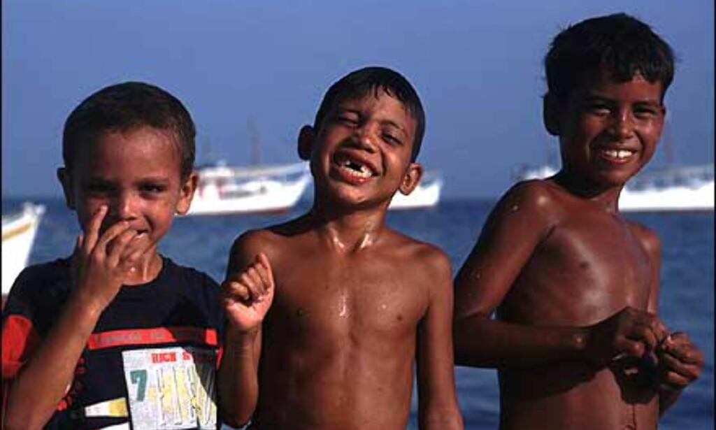 Disse barna nyter skolefri på Isla Margarita. Foto: Stian Mong