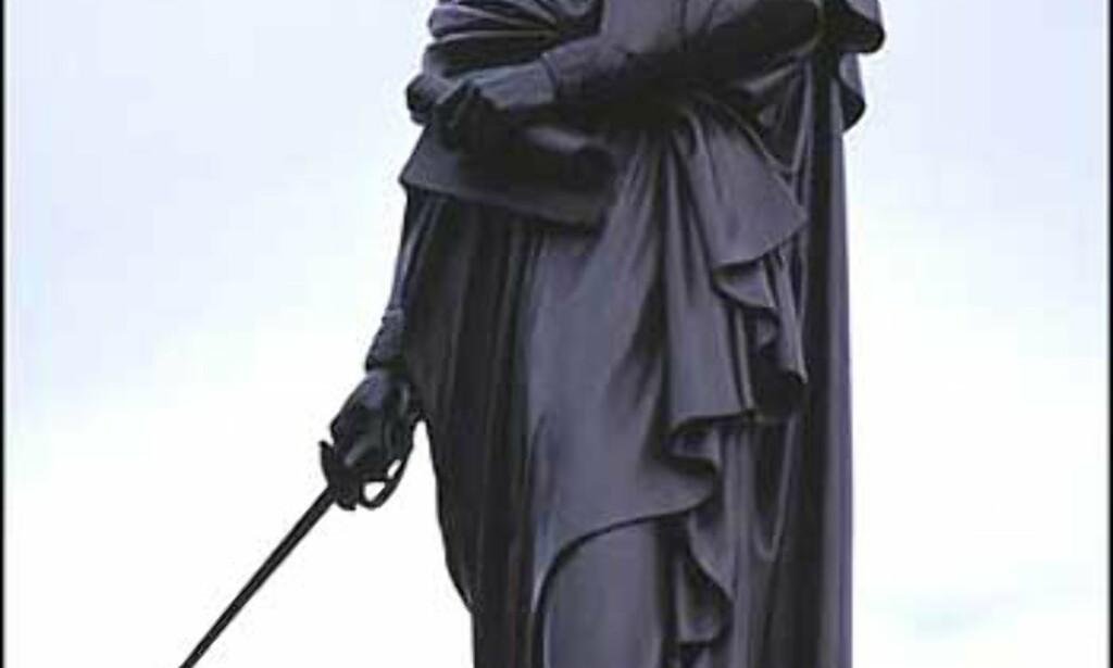 Simon Bolivar (1783-1830) er muligens den største frihetshelten ikke bare i Venezuela, men i hele Sør-Amerika. Land er oppkalt etter ham, og myntenheten i Venezuela heter nettopp Bolivar. President Hugo Chaves har ham som sitt store forbilde, og i alle byer og landsbyer i landet vil man kunne finne en Plaza Bolivar.  Simon Bolivar tillegges mye av æren for frigjøringen av en stor del av Sør-Amerika fra spansk kolonialisme.  Foto: Stian Mong