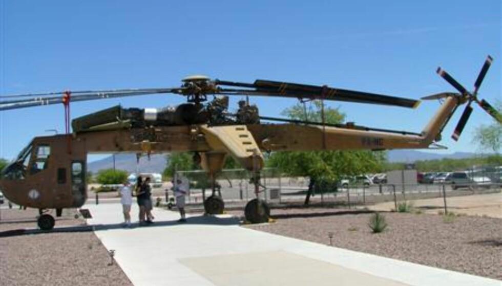 En flyvende kran og et meget spesielt inngangsparti til museet :-).