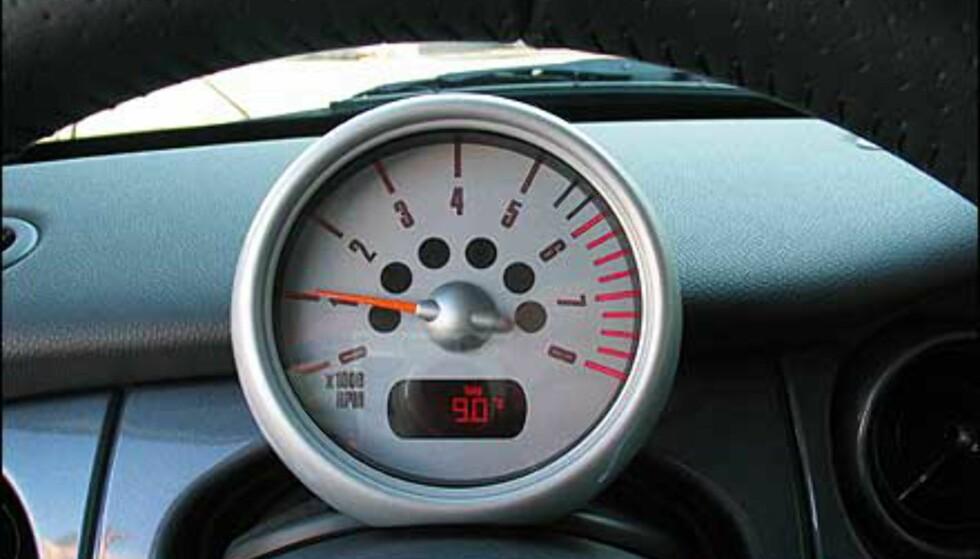 Rett bak rattet er det ikke speedometernåla som danser, men turtelleren.