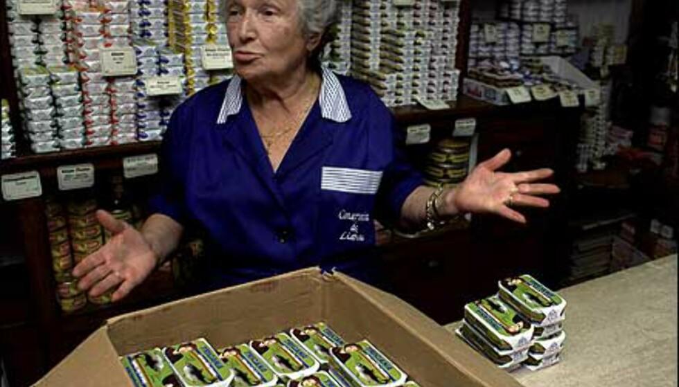Handelen i Alfama ligner ikke på supermarkedene og kjøpesentrene som lokker shoppere til byen. Foto: www.photito.com