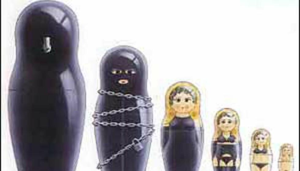 På museumsbutikken i Hollywood finner vi også disse russiske dukkene inspirert av den erotiske kunstneren Julian Murphy.