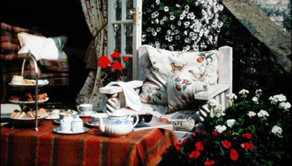 High tea med Mulberry på Charlton House.
