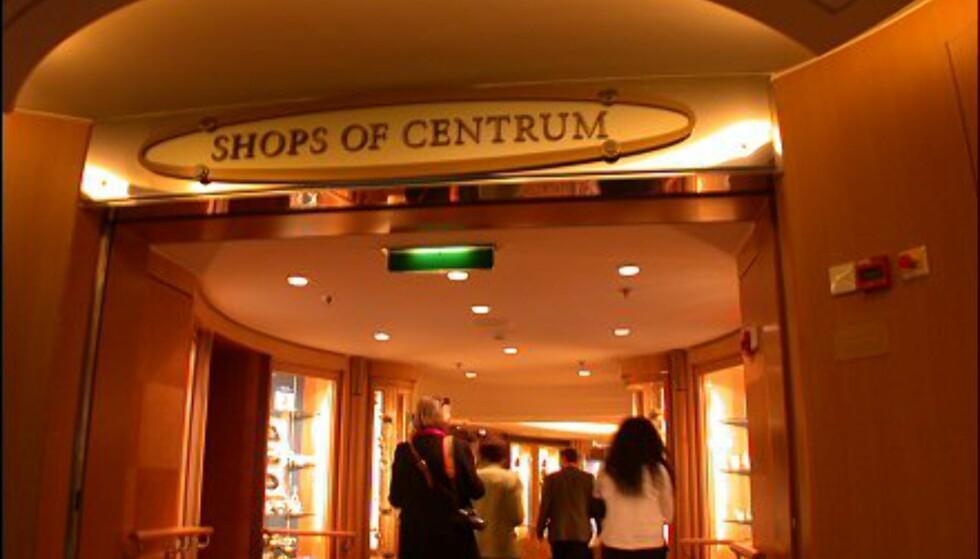 Jewel of the Seas har en egen handlegate: Centrum.