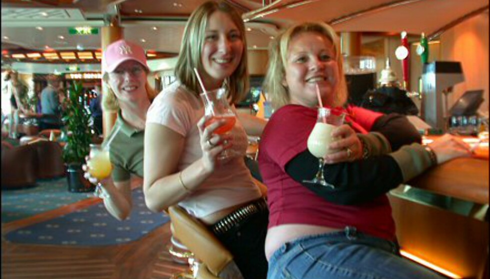 Hetti, Netti og Pletti fra Southampton og Manchester foretrekker likevel barens fargerike drinker.