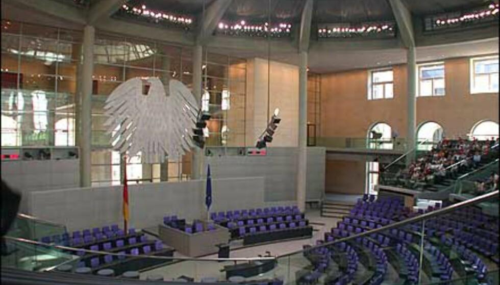 Her, midt under kuppelen, samles de som styrer Tyskland.