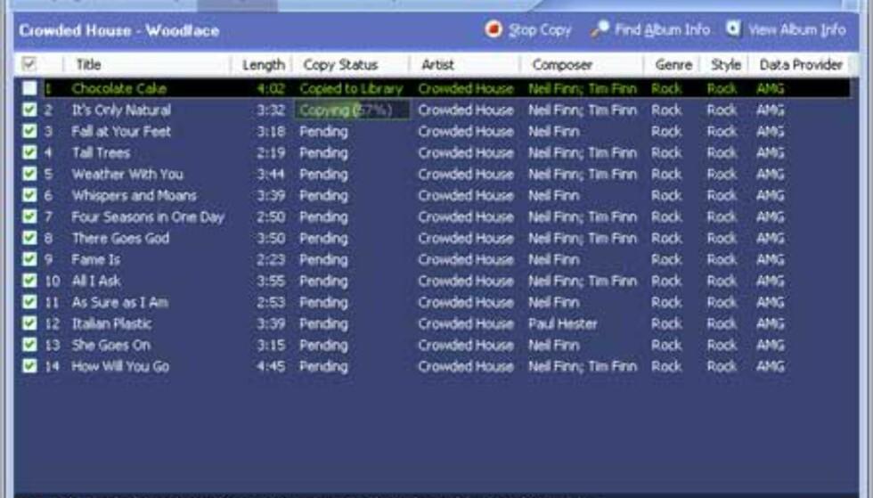 Her har vi satt i gang ripping av musikk-CDen. Formatet er fortsatt Windows Media Audio 9, og 128 Kbps er standard kvalitet. Ripperen er rask, vår 48-minutters CD ble rippet på 2 minutter og 40 sekunder. PCen vi testet programmet på er utstyrt med en billig AMD Duron 1,6 GHz-prosessor.