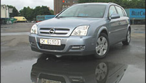 Opel Signum 2.0 DTH  For firmabilkunder: 295.700 kr  For privatpersoner: 300.400 kr