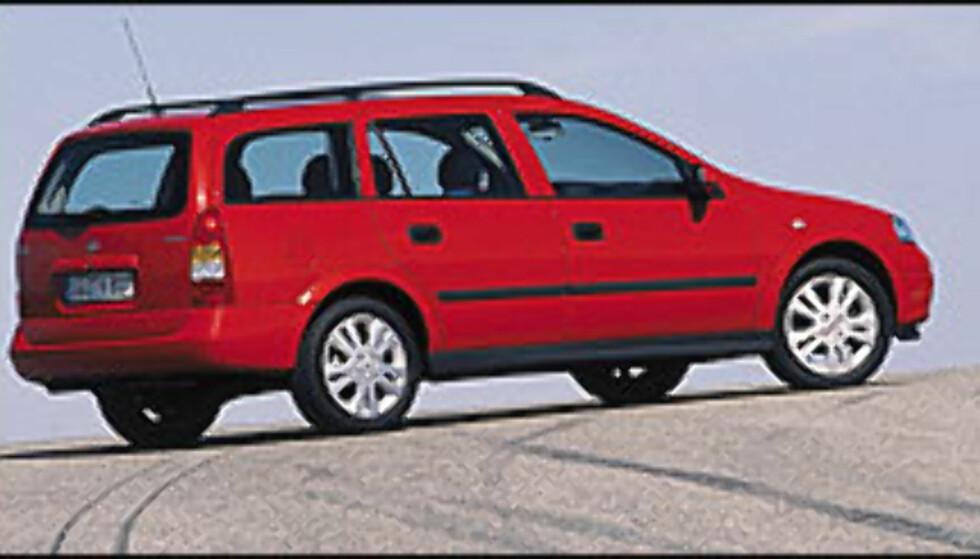 Opel Astra 1.6i Enjoy:  For firmabilkunder: 196.900 kr  For privatkunder: 220.200 kr