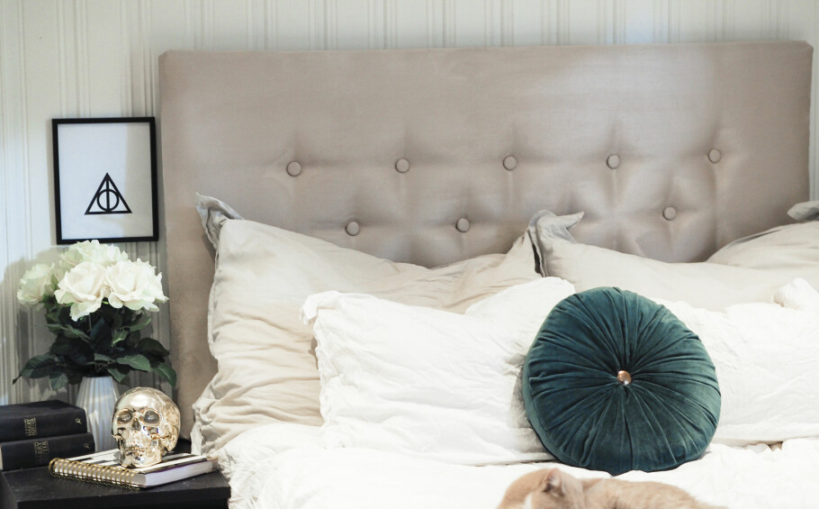 SENGEGAVL-LUKSUS PÅ BUDSJETT: Ønsker du deg sengegavl er det bare å finne fram stiftemaskinen. Foto: Anniken Aronsen