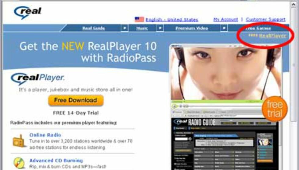 """Fra nettsiden www.realplayer.com leter du deg frem til lenken """"Free RealPlayer"""". Denne er godt gjemt, men du finner den oppe til høyre i skjermbildet."""