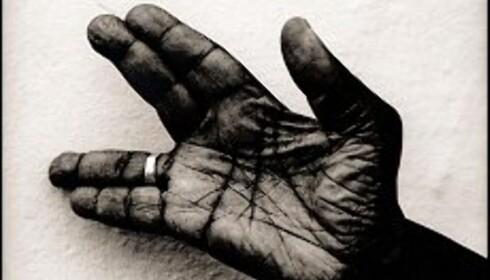 Tittel: John Lee's hand, John Lee Hooker, Los Angeles,1994 Foto: Anton Corbijn med tillatelse fra Gallery Torch  Foto: Anton Corbijn