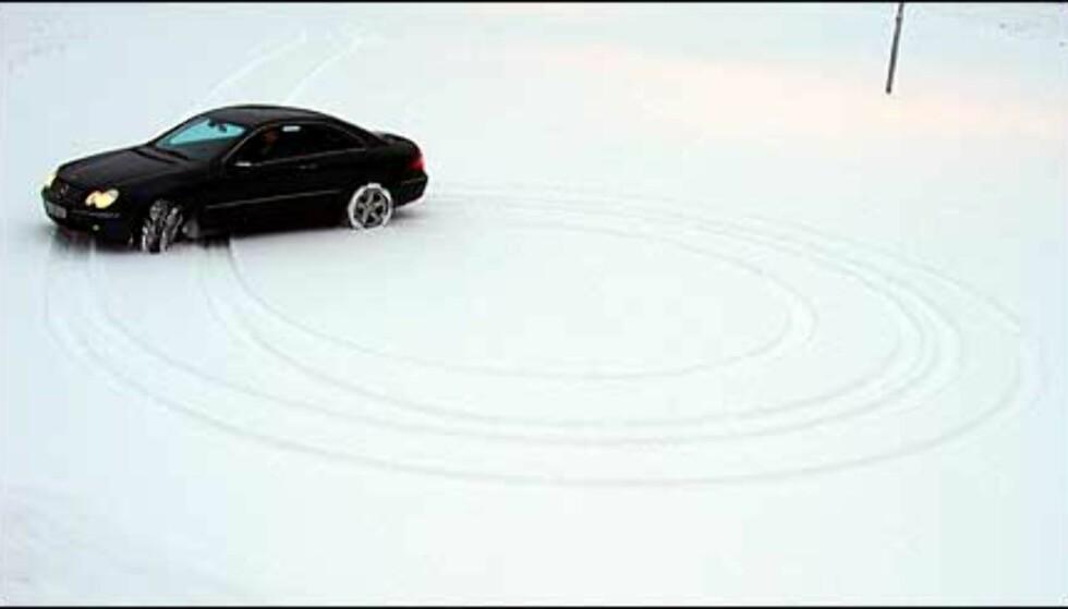 Imponerende liten svingradius gjør CLK til en parkeringsvennlig bil.