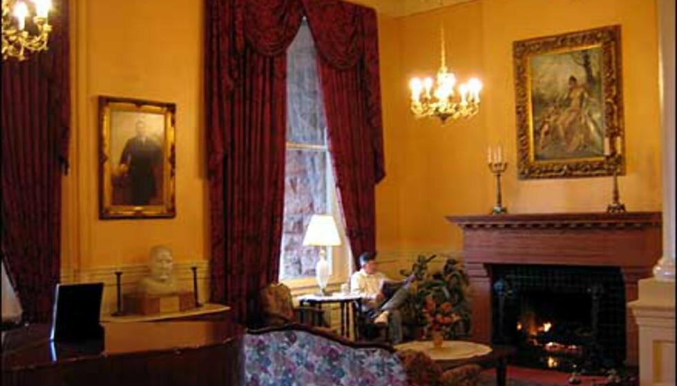 Elegant interiør og nostalgisk stil i Hotel Colorado fra 1875.