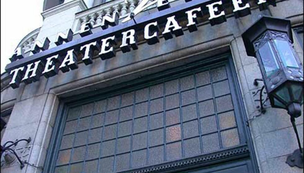 Kontinentale dovaner pleies best på Theatercafeen.