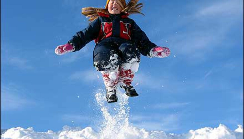 Jente i snø av Jone Lægreid Foto: Jone Lægreid