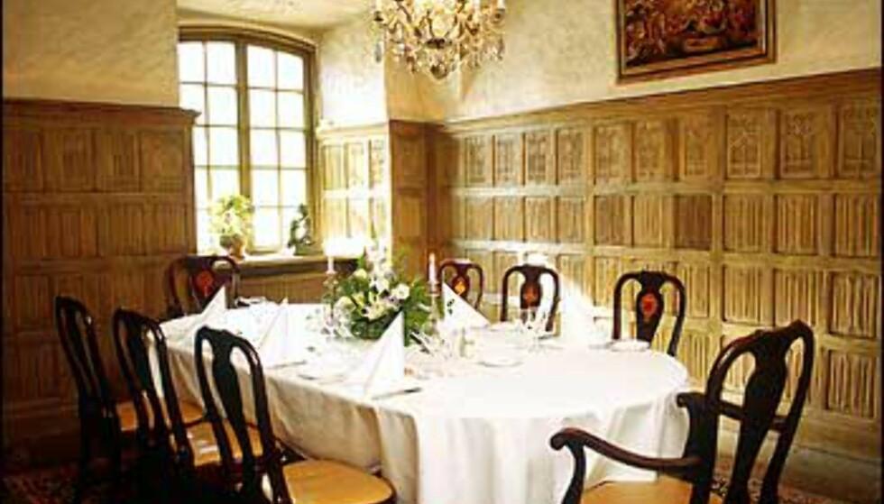 Mange bruker slottet til bryllupsfester, og kan holde hele selskapeligheten i disse standsmessige omgivelsene. Foto: Thomas Carlgren/Häringe Slott Foto: Thomas Carlgren/Häringe Slott