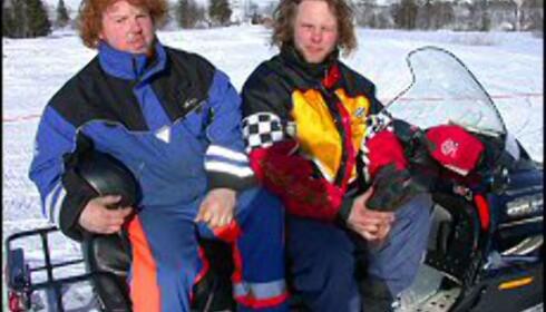 Bjørn Kristian og Bjørn Arild har realisert guttedrømmen om en snøscooterpark i Hemsedal. Er det rart de smiler? <I>Foto: Elisabeth Dalseg</I> Foto: Elisabeth Dalseg