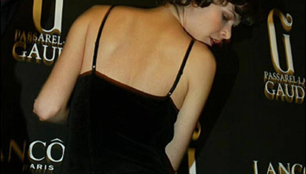 I-siste-liten-arbeid backstage hos TCN. Foto: Moda-barcelona.com