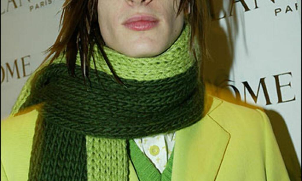 Grønt, knallrosa, blått og gult. Hos Agatha Ruiz de la Prada går det som oftest i farger. Foto: Moda-barcelona.com