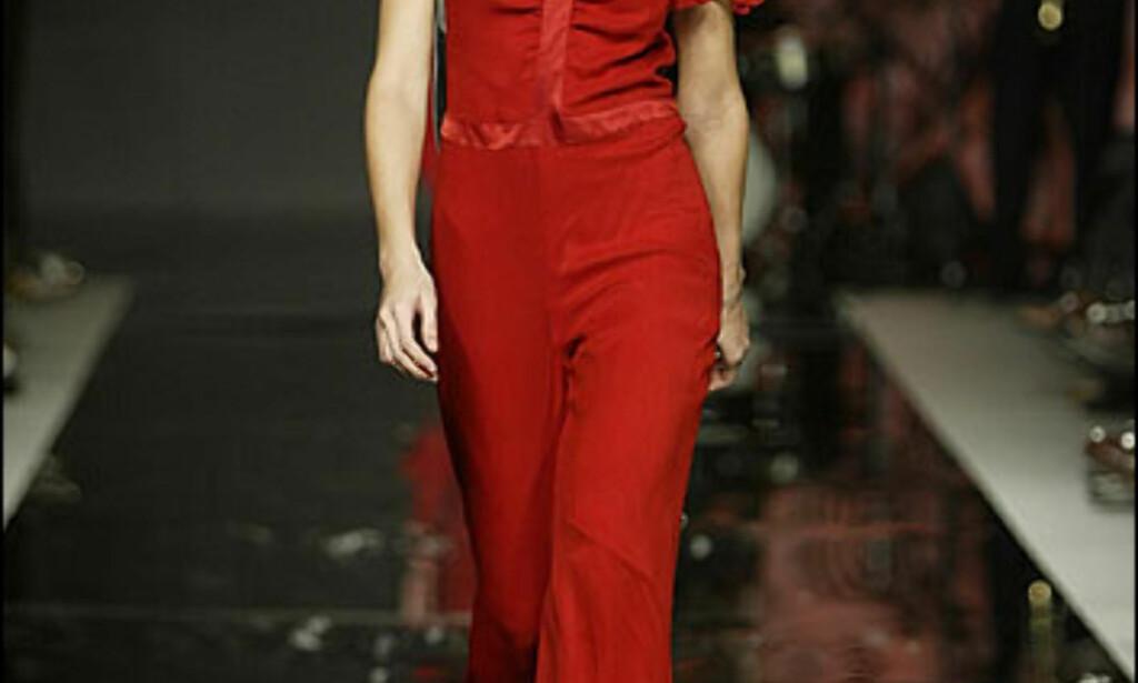 Armand Basi kjørte som en av Spanias største designere et lukket show. Catwalkmodellen heter Martina Klein og har blitt kåret til Spanias beste modell. Foto: Armand Basi