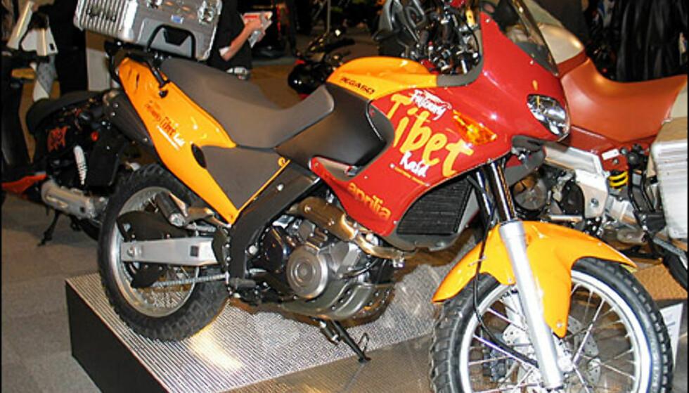 Aprilia 650 Pegaso Tibet koster 109.900 kroner. Dette er en spesialutrustet versjon av Pegaso 650 i.e.