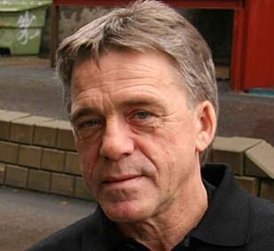ALTFOR OFTE: Jan Ivar Engebretsen i NAF sier at man at bilister bruker mobilen altfor ofte. Foto: NAF