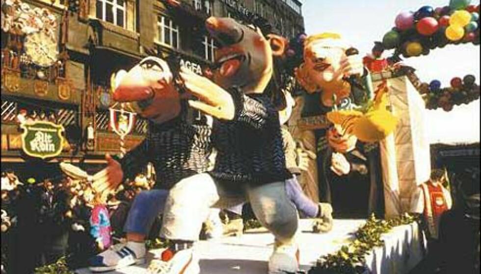 Satiriske flåter paraderer gatene under karnevalet i Köln. Foto: Günther Ventur/KölnTourismus Office Foto: Günther Ventur/KölnTourismus Office