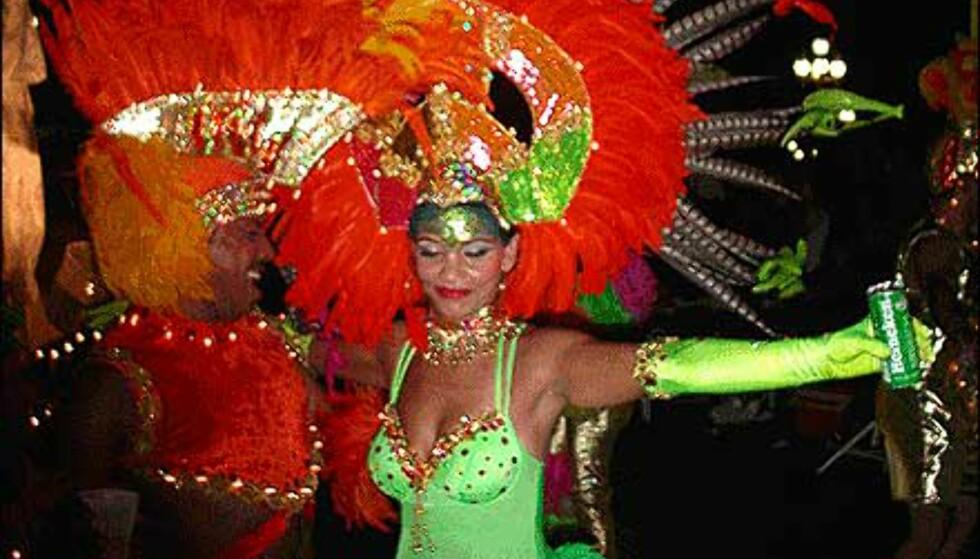 Fra lysparaden på Aruba, som foregår etter mørkets frembrudd - selvsagt. Foto: enjoyaruba.com Foto: enjoyaruba.com