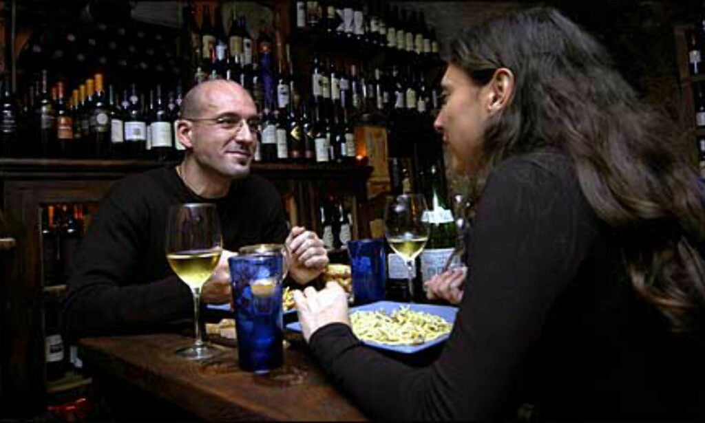 Ta et skikkelig lady-og-landstrykeren-måltid med pasta og vin. Foto: www.photito.com