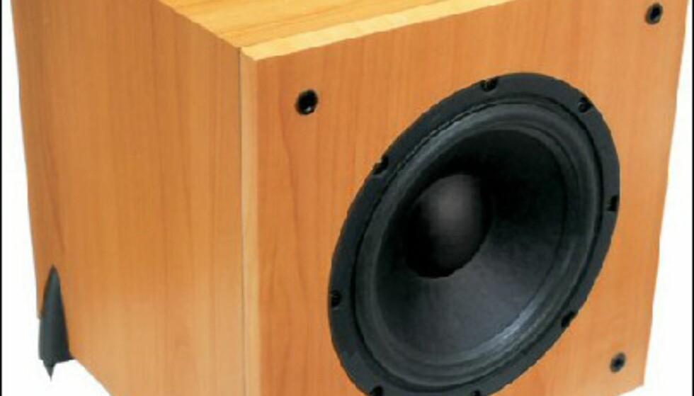 GALE 3080W Sub 2298.- hos Hi-Fi Klubben.<br /> 100 watt forsterker og 10 tommer bass