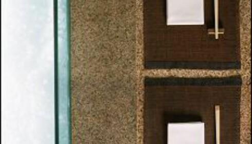 Det er minimalistisk stilrent til fingerspissene på Zuma. Her ser du en detalj fra sushibaren.
