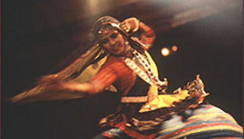Dans, musikk og mat er noen av de uttrykk som settes i fokus under Forum 2004.  Foto: Universal Forum 2004 Foto: Universal Forum 2004</