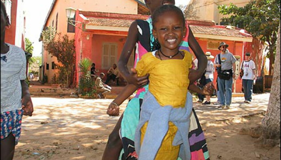 Som Dakar preges også Goree av de mange barna. Barnas lek og smil står i sterk kontrast til øyas tragiske historie.
