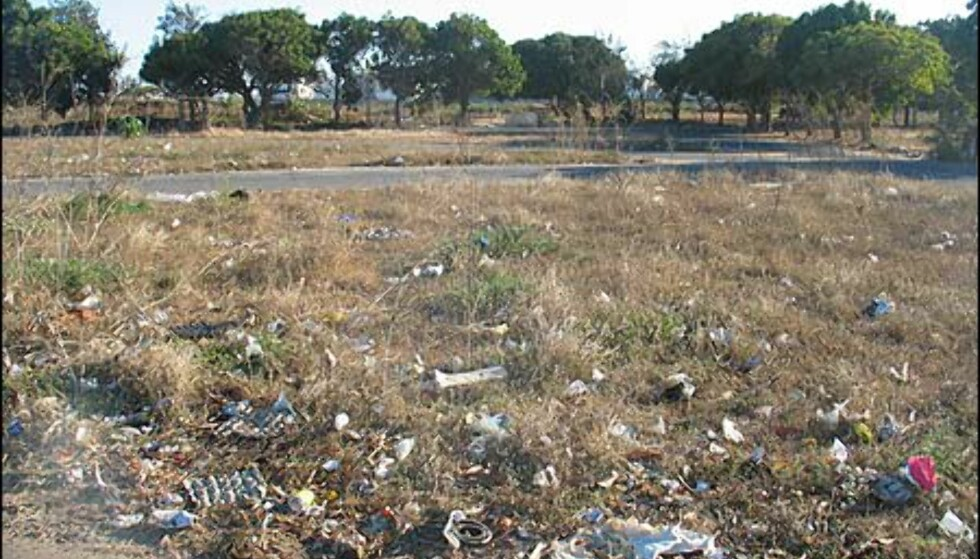 Som mange andre u-lands-byer preges dessverre også Dakar av et manglende system for søppel-håndtering.