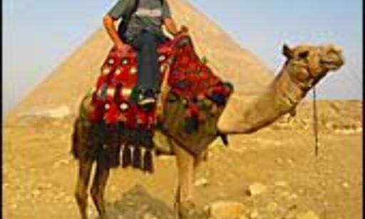 Pyramidene ligger langt fra Rødehavet, men et besøk hit er ikke umulig å kombinere med badeferien. Illustrasjonsfoto: Eirik Tjørhom Foto: Eirik Tjørhom