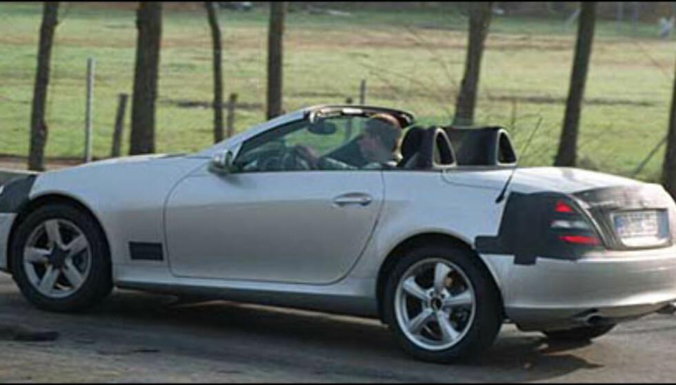 Nye Mercedes-Benz SLK er rett rundt hjørnet. SLR trekk skaper en tøff toseter (spionbilde).